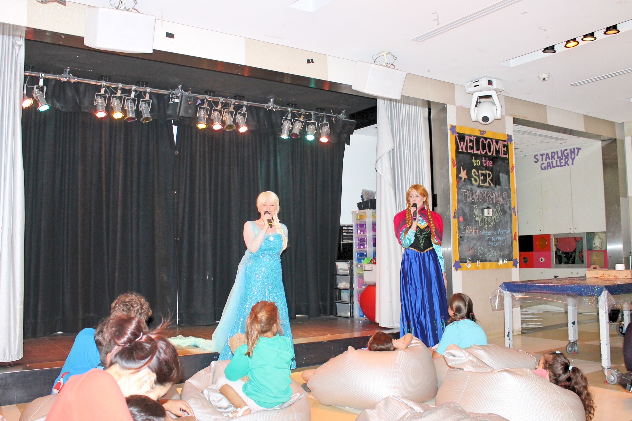 Snow Queen Stage Show 2